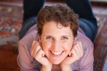 Photo of Author Elinor Teele
